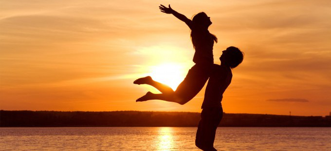 Neuroespacio love-man-woman-silhouette-sun-sunset-sea-lake-beachother1-e1392247740118 Hallan el lugar exacto del cerebro donde se origina el amor Noticias Todas